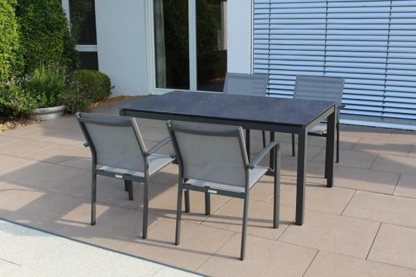 Jati & Kebon Set: 4 Malaga Stapelessel und 1 HPL-Tisch 160x90 cm mit Tischplatte nero granite, Geste