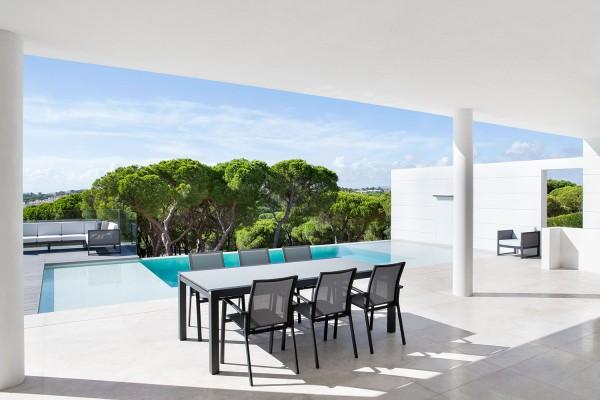 Jati & Kebon 6xStapelsessel Sevilla Aluminium grau und Livorno Tisch ausziehbar, eisengrau matt mit
