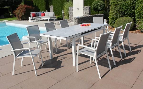 Jati & Kebon Set: 8 Sevilla Stapelsessel und 1 Gabon HPL-Tisch ausziehbar, mit HPL-Tischplatte grigi