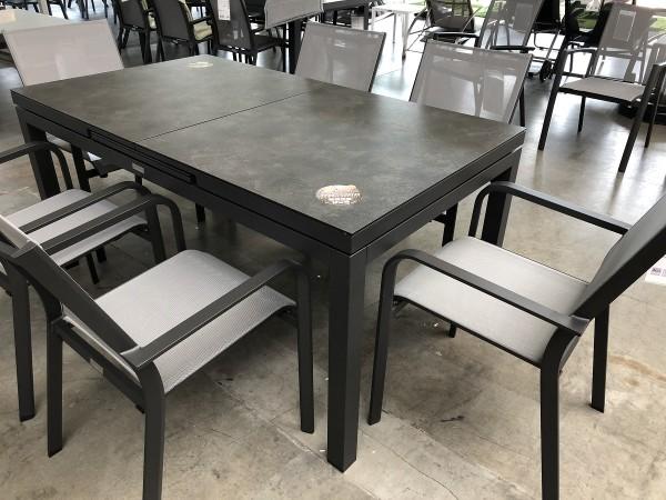 Jati & Kebon Set: 6 Dransy Stapelsessel und 1 Gabon HPL-Tisch, ausziehbar mit Tischplatte nero gran