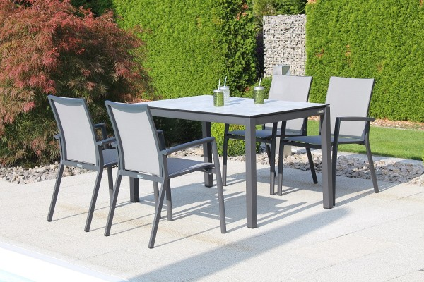 Jati & Kebon Set: 4 Sevilla Stapelsessel und 1 HPL-Tisch 130x80 cm, Tischplatte grigio granite, Gest